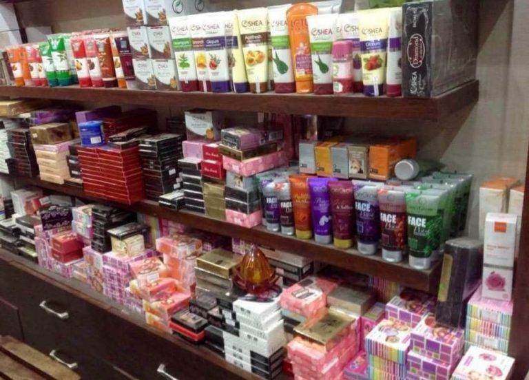 Natural Alternatives for Holistic Health in Cosmetics and Retail