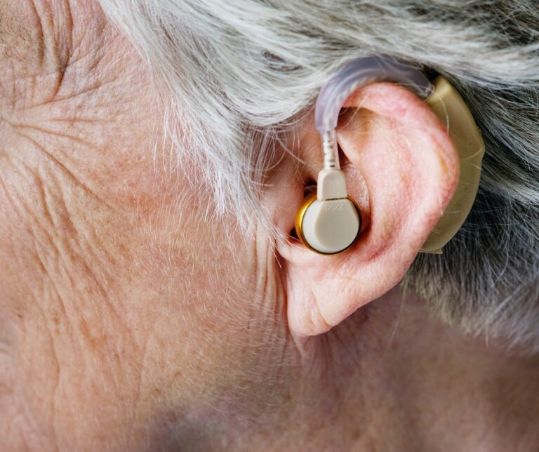Hearing Disabilities And Hearing Aids With Less Feedback